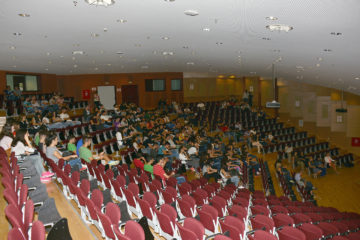 panepistimio-kritis-amfitheatro-oikonomologos-gr
